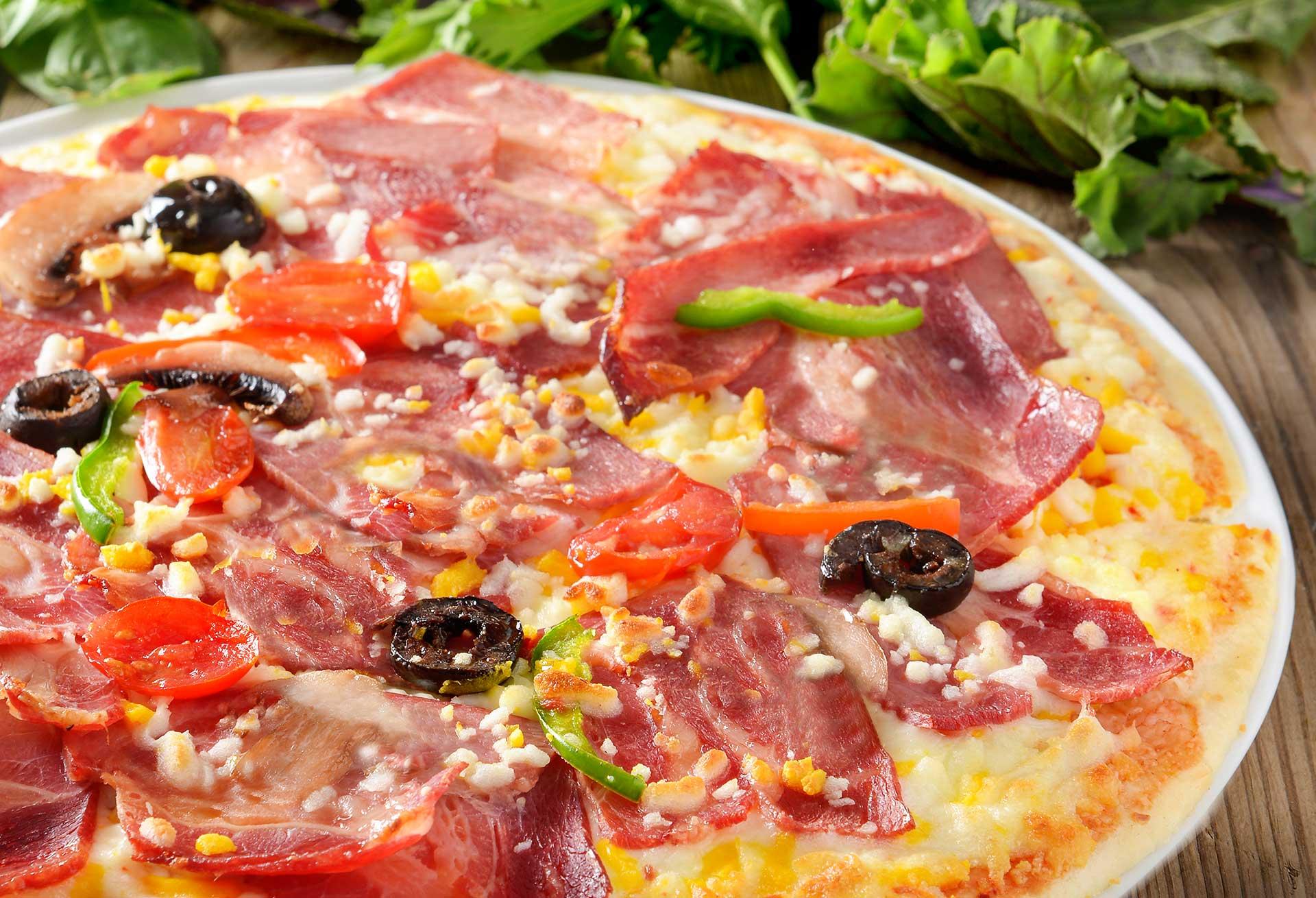 پیتزا استیک و بیکن